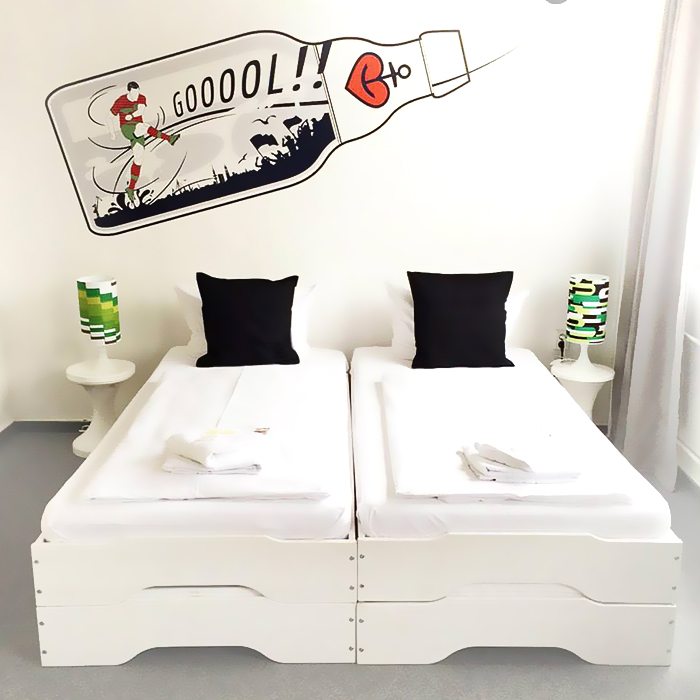 tischlampen 70er jahre lampen kleinserien nachttisch. Black Bedroom Furniture Sets. Home Design Ideas